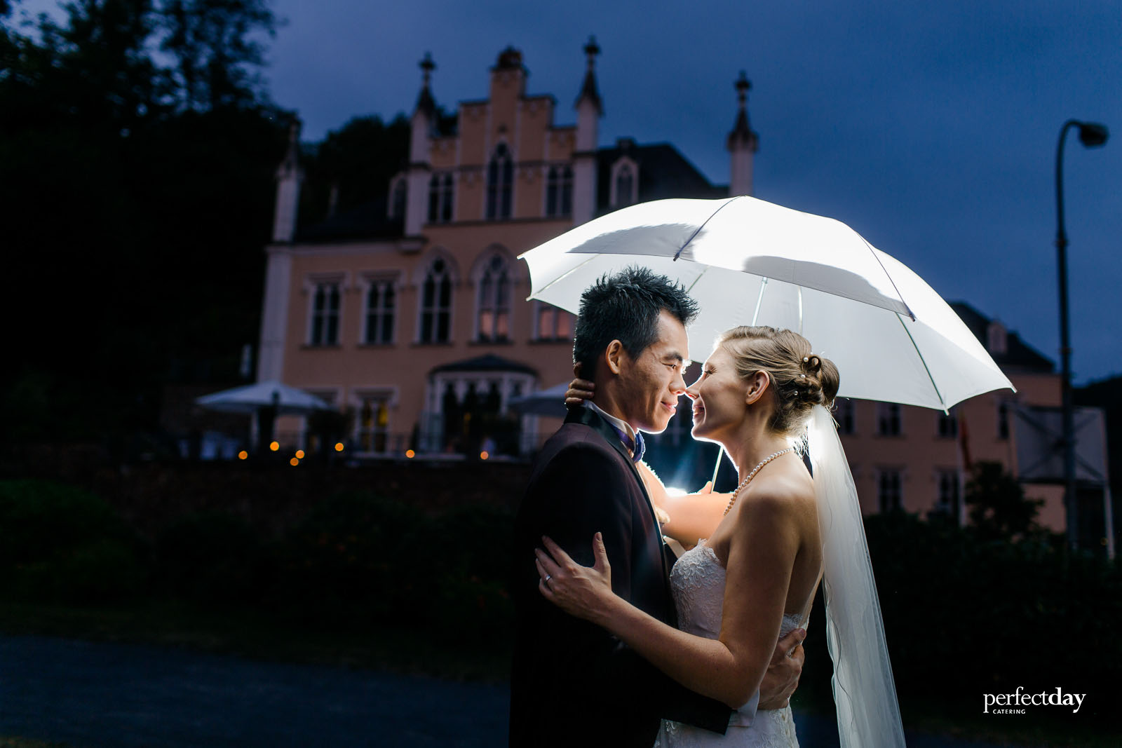 Friederike & Jason Schlss323